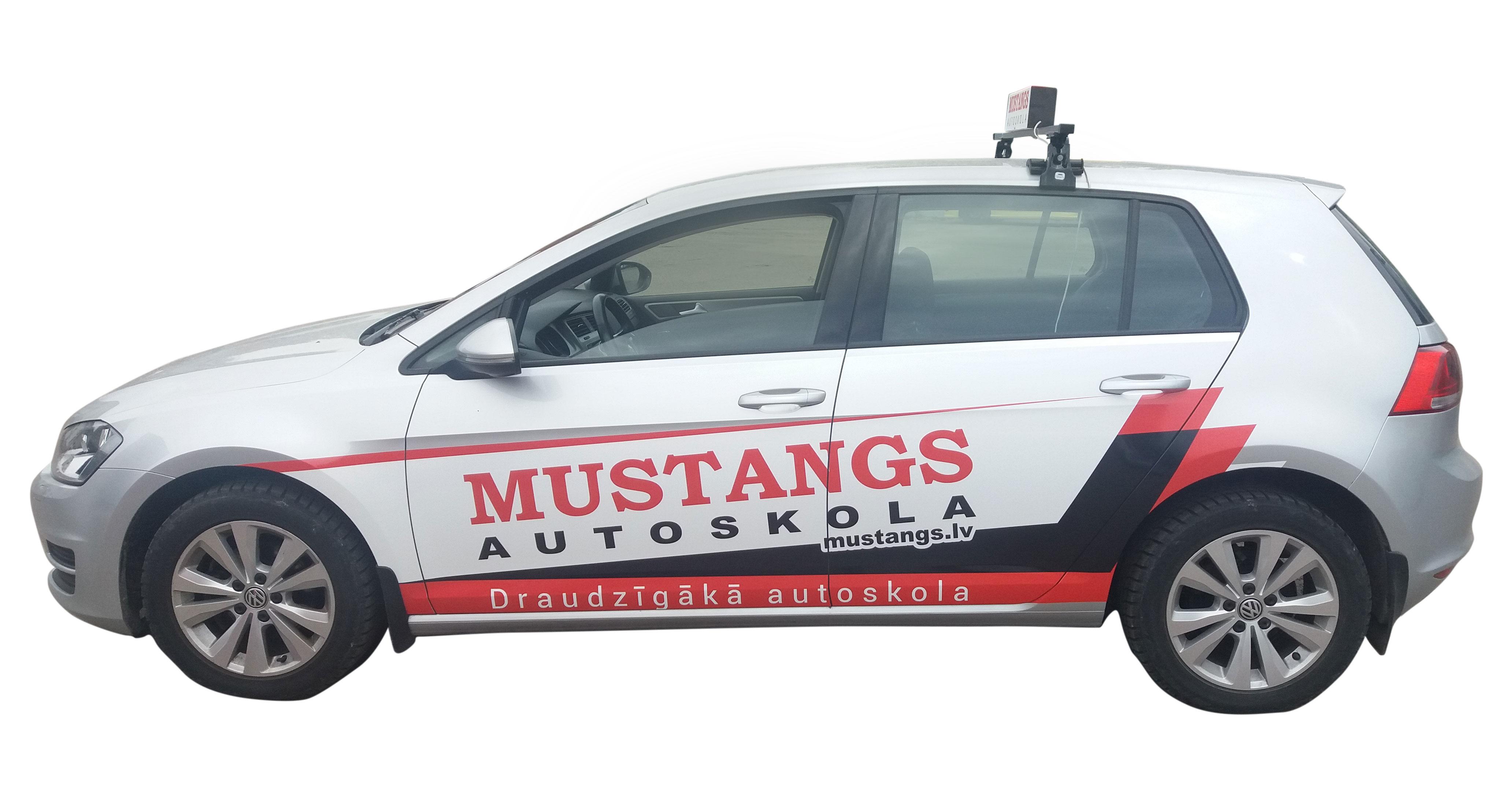 Mustangs2_web